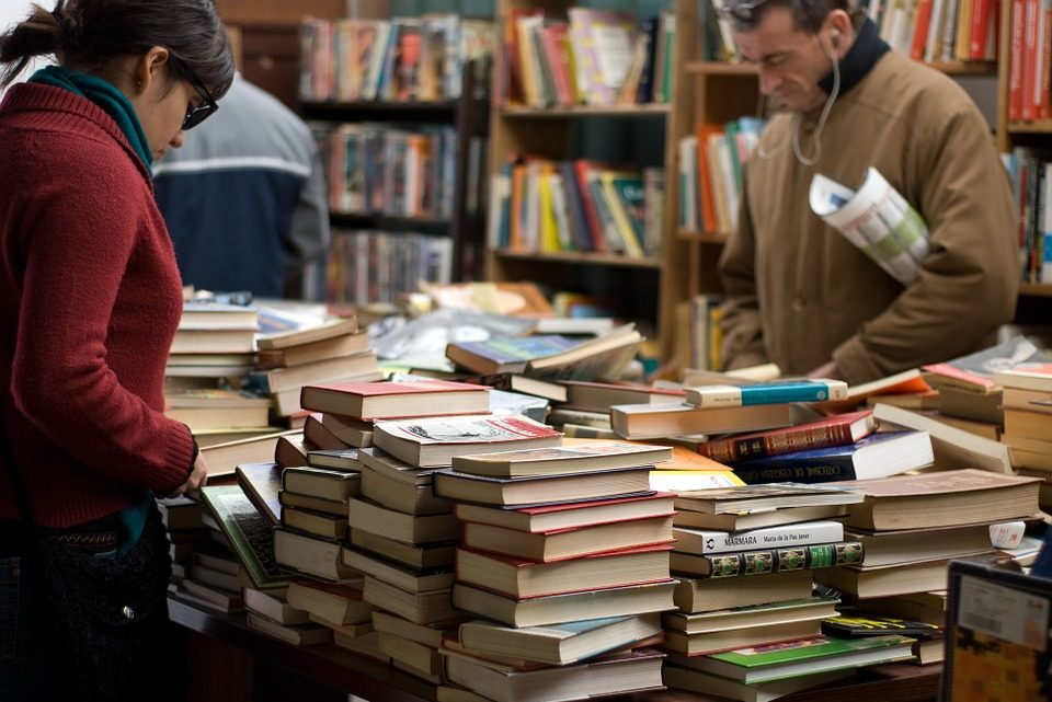 Pouco mais da metade dos brasileiros leram ao menos parte de um livro nos últimos 3 meses